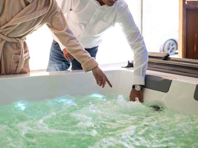 Wasserwechsel - wie oft? Alles zum Thema Wasser im Pool